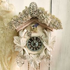 Vintage Cuckoo clock rhinestones bird wall decor Shabby chic coocoo reinvented altered White clock from Helena Aleixo Decor. Saved to Wall decor. Shabby Chic Pink, Vintage Shabby Chic, Shabby Chic Homes, Shabby Chic Decor, Coo Coo Clock, Decoration Shabby, White Clocks, Welcome To My House, Do It Yourself Home