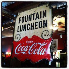 Coca Cola Ad, Always Coca Cola, Pepsi, Best Soda, Soda Machines, Vintage Coke, Gabel, Dr Pepper, Sign Language