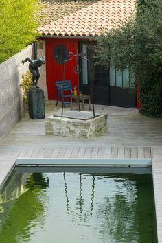La terrasse avec piscine - Oléron : une maison couleurs vacances - CôtéMaison.fr