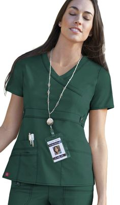 Dickies Medical Gen Flex - Introducing Hunter Green to the Spring 2013 Collection! What's your favorite color? Dental Scrubs, Medical Scrubs, Scrubs Outfit, Scrubs Uniform, Cherokee Uniforms, Stylish Scrubs, Beauty Uniforms, Green Scrubs, Cute Scrubs