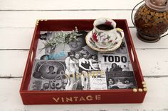 Bandeja vintage. Hecho en casa. http://www.foxlife.tv/manualidades/10261-bandeja-vintage.html