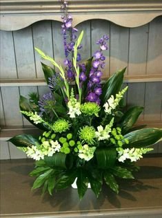 simple and beautiful flowers craft by manisha Funeral Floral Arrangements, Large Flower Arrangements, Flower Arrangement Designs, Flower Centerpieces, Flower Decorations, Altar Flowers, Church Flowers, Funeral Flowers, Flowers Garden