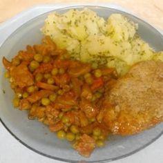 12 szaftos-omlós sertésszelet | Nosalty Tasty, Yummy Food, Meat Recipes, Risotto, Mashed Potatoes, Sausage, Bacon, Vitamins, Grains