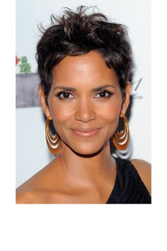 Hairstyles for black women over 50 pinterest hair coloring black women and short hairstyle - Coupe courte halle berry ...