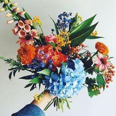Floral Wedding, Wedding Bouquets, Wedding Flowers, Beautiful Bouquet Of Flowers, Beautiful Flowers, Wild Flowers, Garden Workshops, Illustrations, Deco