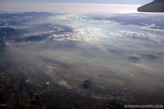 Flying from Kansai to Okinawa and enjoying the beautiful sight (December 2012).