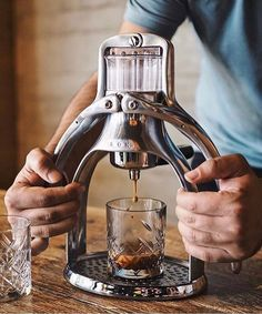 SALE ROK Espresso maker Limited Time! Rich Full Espresso full video Online! Shop ROK Espresso @baristadaily Link in Bio Same Day Dispatch | by @coffeerem