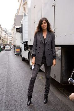 44 Ideas fashion minimalist french emmanuelle alt for 2019 - Home Decor Winter Fashion Outfits, Trendy Fashion, Casual Outfits, Blazer Outfits, Style Fashion, French Women Style, French Chic, Emmanuelle Alt Style, Paris Chic