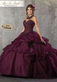 73608daa1a 33 mejores imágenes de Vestidos de 15 años elegantes
