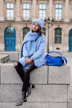 Obsessed with chunky knit anything! Wearing a baby blue knit cardigan with a matching scarf and hat. Finished the casual outfit with black ripped jeans, snake Isabel Marant booties, and a blue Loewe bag Casual Friday Outfit, Casual Outfits, Work Casual, Casual Chic, Viva Luxury, Black Ripped Jeans, Autumn Winter Fashion, Clothes For Women, Womens Fashion