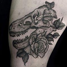 Dinossaur tattoo
