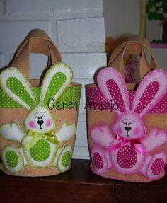 description Felt Baby, Felt Ornaments, Easter Crafts, Create, Diy, Easter Card, Handmade Cushions, Paper Craft Work, Rabbits