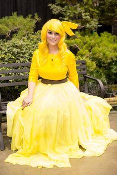 Un #cosplay d'un genre nouveau, la robe issus de #pokemon , Laissez-nous vous présenter Mme #Pikachu !   #pokémon #pokeball