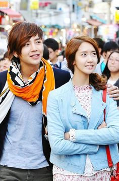 Jang Geuk & Yoona Sweet Hand in Hand Dating at Hongdae #loverain