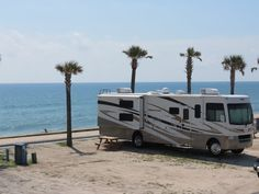 8 Scenic Parks in Florida on the beach. You can relax on the beautiful white sandy beaches of Florida at these RV parks and campgrounds. Best Places To Camp, Camping Places, Camping Spots, Rv Camping, Camping Ideas, Campsite, Outdoor Camping, Glamping, Camping Stuff