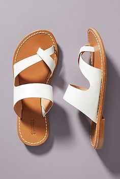 Women shoes For Work Offices Interview Outfits - Women shoes Flats Vintage - - Women shoes High Heels Pump Jimmy Choo Source by bauchpatiencesimonis outfit White Sandals, Leather Sandals, Shoes Sandals, Womens Shoes Wedges, Summer Shoes, Shoe Sale, Shoe Boots, Ankle Boots, Fashion Shoes