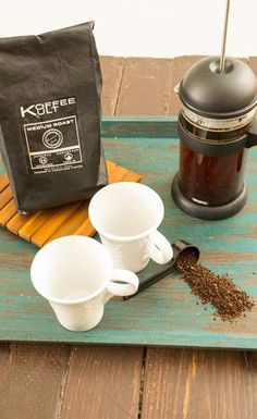 The perfect cup of coffee is just a few minutes away. It just takes a few steps and high quality coffee, like Koffee Kult Coffee. Healthy Cookie Recipes, Best Vegetarian Recipes, Peanut Butter Recipes, Healthy Cookies, Coffee Snobs, Coffee Is Life, My Coffee, Coffee Cups, Clean Eating Dinner