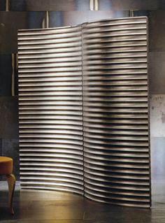 grooved silver screen - looks like corrugated iron which would give a great Australian theme