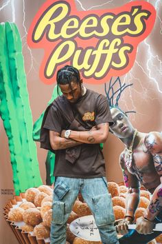 Travis Scott Entertains the Masses at His Reese's Puffs Pop-Up in Paris: La Flame poses for selfies, signs merch and more. Travis Scott Iphone Wallpaper, Travis Scott Wallpapers, Rapper Wallpaper Iphone, Trippy Wallpaper, Rap Wallpaper, Travis Scott Art, Travis Scott Braids, Travis Scott Tumblr, Travis Scott Rodeo