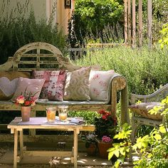 Love the bench and the pillows (1) From: Bella Mumma, please visit