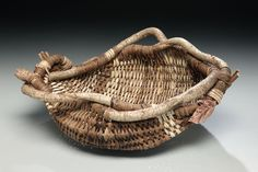 Master basketmaker Matt Tommey gives you detailed instructions on How to Weave a Basket from Kudzu Vine and other natural materials.