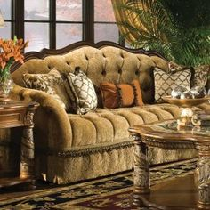47 Adorable Victorian Sofa Ideas For Elegant Living Room Elegant Home Decor, Furniture, Victorian Style Sofas, Living Room Sets, Victorian Sofa, Elegant Living Room, Home Decor, French Country Living Room, Tuscan Decorating