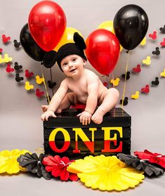 Top Baby Photography themes and ideas Mickey 1st Birthdays, Fiesta Mickey Mouse, Mickey Mouse First Birthday, Mickey Mouse Clubhouse Birthday Party, 1st Birthday Parties, Birthday Ideas, Mickey Mouse Birthday Decorations, Theme Mickey, Mickey Mouse Parties