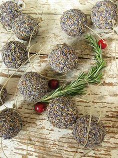 Homesteader dream: To make my own  products and gifts from the land like this lavender Garland