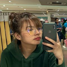 Bad Girl Aesthetic, Aesthetic Clothes, Selfie Tips, Selfies, Filipina Beauty, Instagram Pose, Celebrity Crush, Trinidad, Cute Wallpapers