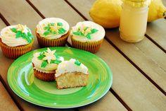 Cupcakes are my new love: Cupcakes de Limón rellenos de Lemon Curd (casero!)
