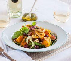 Crispy haloumi salad with roasted pumpkin & lemon coriander dressing Vegetarian Recipes Easy, Veg Recipes, Light Recipes, Salad Recipes, Dinner Recipes, Healthy Recipes, Delicious Recipes, Healthy Foods, Haloumi Salad