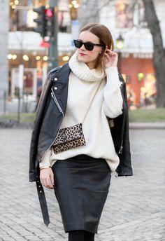 Cozy sweater time.  sarastrand.no