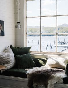 Captain's Rest, Strahan Tasmania - Marnie Hawson, purpose-driven interior, travel and lifestyle photographer Country Style Magazine, Waterfront Cottage, Cottages By The Sea, Cozy Nook, The Design Files, Mid Century House, Coastal Living, Coastal Style, Coastal Decor
