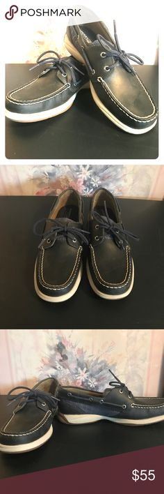 NWOT Navy blue Sperry Topsiders Never worn navy blue Sperry Topsiders! These are navy with silver accents on the side, very cute and comfortable! Sperry Top-Sider Shoes Flats & Loafers