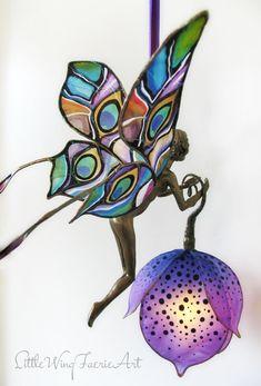 Little Wing Faerie Art — Silk butterfly and moth hanging lights. Flower Lamp, Flower Lights, Fairy Lights, Butterfly Lamp, Hanging Lights, Butterflies, Hades Disney, Luz Artificial, Lampe Applique