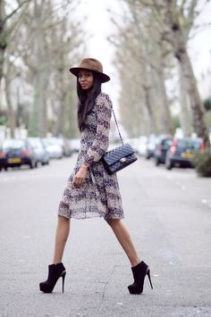 the-streetstyle:  Florals and Not-So-Floppy hatsviabisousnatasha