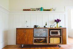 Steal This Look: A Mint Green Kitchen from a Scandinavian Stylist: Remodelista Apartment Kitchen, Apartment Interior, Apartment Ideas, Studio Kitchen, Kitchen Design, Kitchen Reno, Diy Kitchen, Kitchen Island, Kitchen Ideas