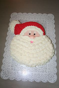 Santa Claus Cake by Jens Creations, via Flickr Christmas Cheese, Christmas Desserts, Christmas Baking, Christmas Recipes, Christmas Cookies, Santa Cake, Snowman Cake, Pull Apart Cupcake Cake, Cupcake Cakes