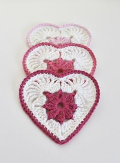 Crochet Stitches Patterns, Crochet Patterns For Beginners, Crochet Motif, Square Patterns, Heart Patterns, Crochet Home, Crochet Gifts, Make Bunting, Christmas Knitting Patterns