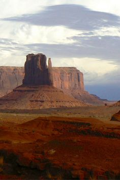 Monument Valley on the border of Arizona and Utah is a worthy addition to your U.S. travel bucket list.