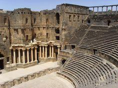 Ισλαμιστές κατέλαβαν σπάνιο Ελληνιστικό Αρχαίο Αμφιθέατρο του 2ου άι.π.χ στη Συρία!!