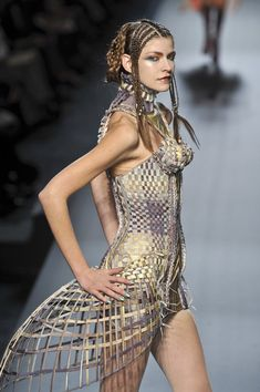 Sculptural Fashion - cage dress with 3D basket weave construction - shape  structure; fashion as art // Jean Paul Gaultier