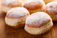 Viennese cuisine is famous and much loved for its variety of sweets. Whether hot or cold, as a starter or dessert: enjoy the sweeter side of Vienna! Beignets, Donut Recipes, Baking Recipes, Vegan Recipes, Berliner Recipe, German Baking, Thermomix Desserts, Cafe Food, Tray Bakes