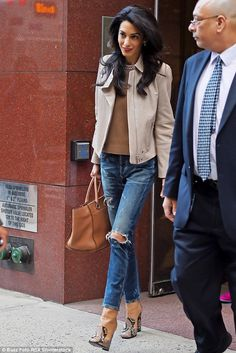 "Amal Clooney in New York wearing a pair of Citizens of Humanity Corey Slouchy Slim jeans in ""Bourbon"" in New York City on April, 28th 2015"