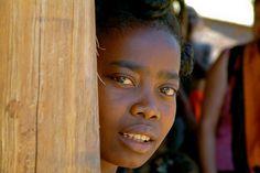 Sakalava woman to Komajara, Madagascar. Photo by Pierre-Yves Babelon.