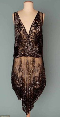 Beautiful Vintage flapper dress, 1920 #vintagefashion - would be great to wear to a Charleston party with The Cheerleading Company. www.cheerleadingcompany.co.uk
