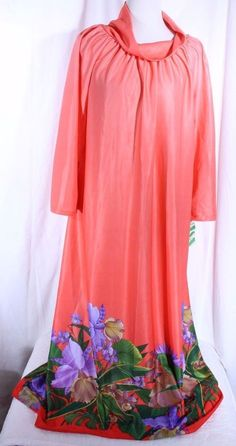 46c94741119 Vtg TIFFANY LOUNGE WEAR Retro Size M Patio Lounge Robe Dress Caftan Floral  NOS