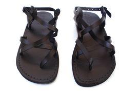 VENTA! Nuevas sandalias de cuero con tirantes. Zapatos para Mujeres y Hombres Chancletas Cintas Pisos Calzado de Diseñador Bíblico de Jesús  de Sandalimshop en Etsy https://www.etsy.com/mx/listing/195838960/venta-nuevas-sandalias-de-cuero-con