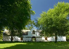 Rust en Vrede Restaurant, Stellenbosch Picture: Front View - Check out Tripadvisor members' 657 candid photos and videos. South African Holidays, South African Wine, Vacation Places, Cruise Vacation, Cape Dutch, Best Red Wine, Dutch House, Great Restaurants, Beautiful Places To Visit