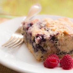 Blueberry Buckle Coffee Cake (vegan).  A perfect late summer treat!  Make with fresh or frozen blueberries.